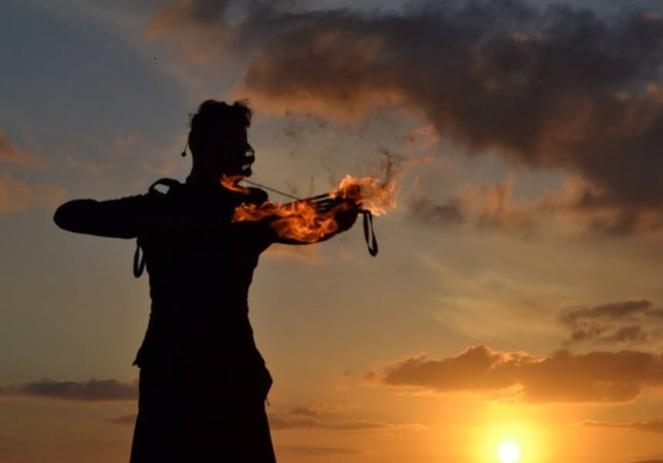 fire jugglers sardinia italy (7)